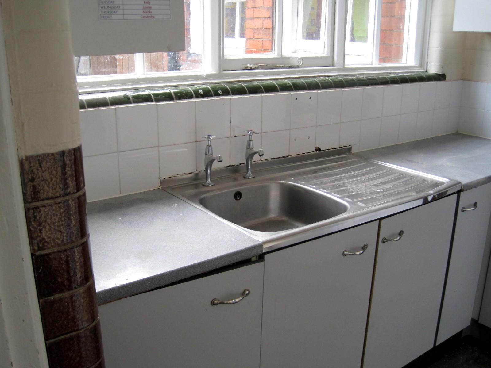 Old Kitchen Sinks Befon for